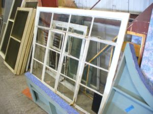 Casement windows: features and benefits